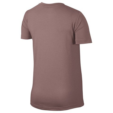 Nike Sportswear Essential Kadın Tişört