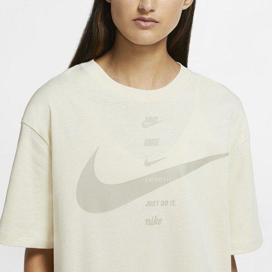 Nike Sportswear Swoosh Short-Sleeve Top Kadın Tişört